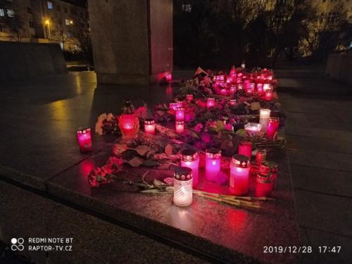 Květiny pro Koněva k 122.výročí jeho narození 28.12. 2019