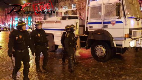 """Protesty """"Žluté vesty"""" - 22. 12. 2018 Paříž, Francie"""