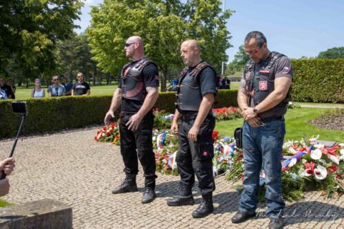 Uctění památky zavražděných v Lidicích nacistickým Německem Noční vlci Evropa MC a přátelé